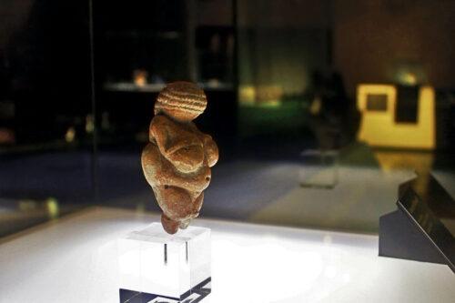 Photo de la Vénus Willendorf, symbole de fécondité